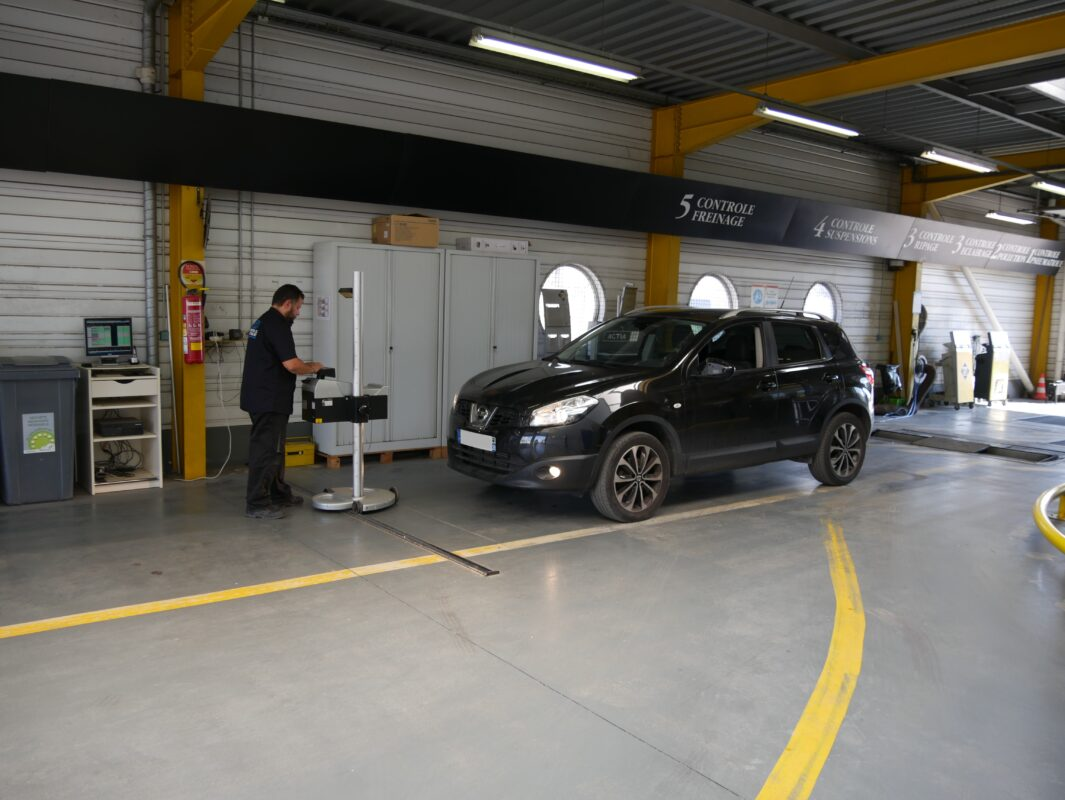Contrôle techniuqe montpellier vérifie tous l'éclairage de votre véhicule.